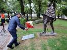 Поднесоха цветя на паметника на Махатма Ганди във Варна