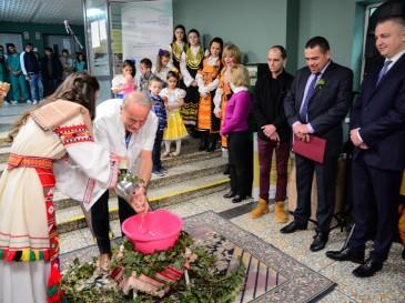 Кметът Иван Портних поздрави медицински работници по повод Деня на родилната помощ