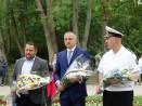 Кметът Иван Портних поднесе цветя пред паметника на Христо Ботев