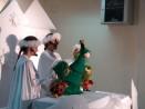 Дариха плодове и лакомства на пациентите от Детската клиника по онкология във Варна