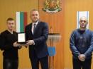 Кметът Иван Портних награди световния шампион по карате киокошин за юноши Богомил Костов